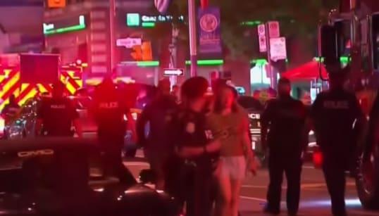 Al menos dos muertos y trece heridos por un tiroteo en