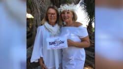 Esta mujer se casó con un árbol en Florida, para evitar que sea