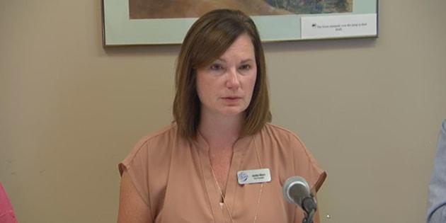 Jackie Mann, la vice-présidente de l'autorité régionale de santé de Saskatoon s'est excusée auprès des femmes qui ont été poussées à se faire stériliser.