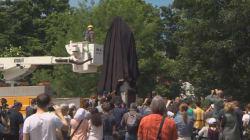 La statue du fondateur de Halifax, jugé génocidaire, a été