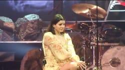 Lana Del Rey s'effondre en larmes en plein concert après l'arrestation du fan qui voulait