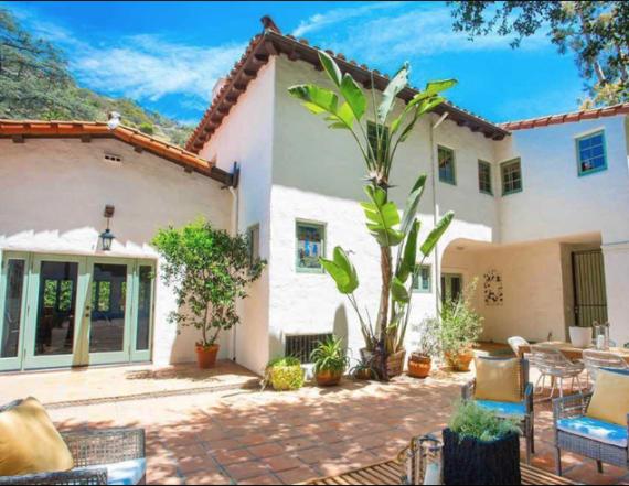 Frances Cobain sells Hollywood Hills bungalow