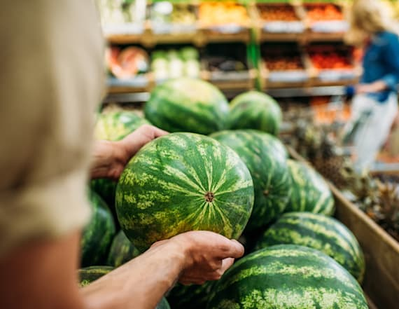 How to pick a watermelon at the grocery store