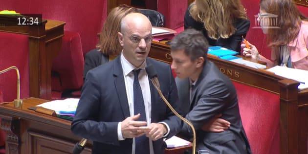 Le ministre Jean-Michel Blanquer a tranché: les députés LREM renoncent à interdire le téléphone portable aux enseignants.