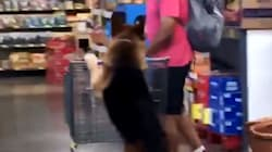 Shopping German Shepherd Puts All Other Dogs To