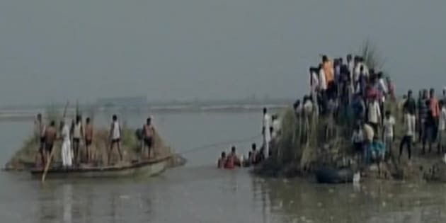 Image result for UP: Boat overturns in Yamuna river, 18 dead