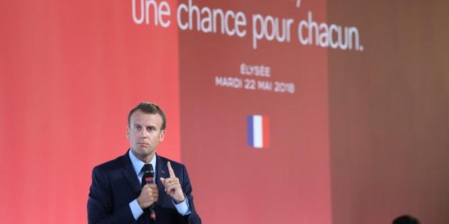 Emmanuel Macron propose un faux plan banlieues à zéro euro