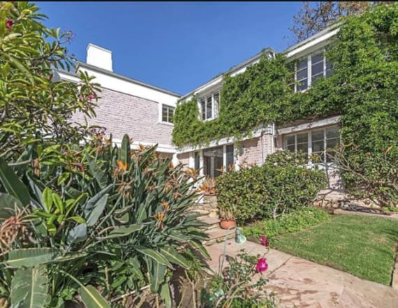 Whoopi Goldberg lists longtime Los Angeles estate
