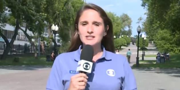 Júlia Guimarães passou por situação constrangedora em entrada ao vivo.