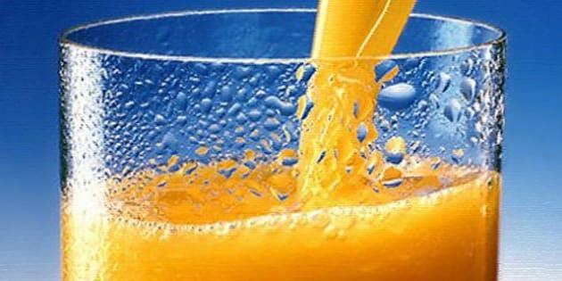 Suco em pó ou de caixinha pode fazer tão mal quanto o refrigerante, alerta nutricionista.