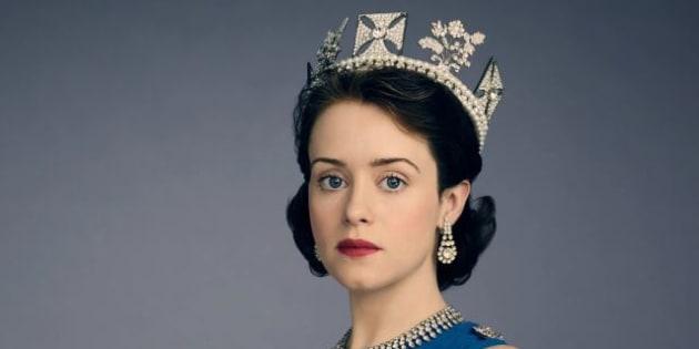 """Claire Foy, la reine de """"The Crown"""", n'a pas reçu le complément de salaire qui devait la mettre à égalité avec son collègue le prince"""