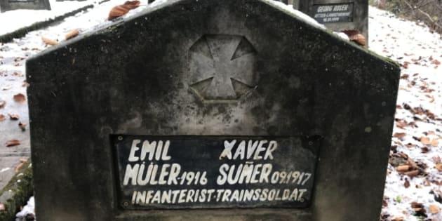Así luce la lápida de los dos soldados que fueron enterrados juntos