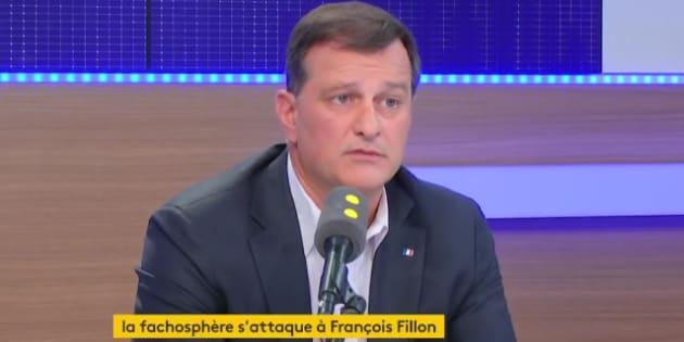 Louis Aliot a nié que le FN soit derrière la campagne Farid Fillon.