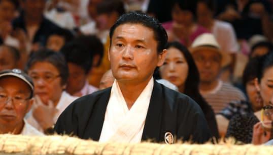 貴乃花親方が日本相撲協会に退職願を提出