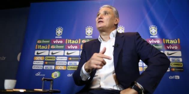 Tite deixou jogadores que contam com apoio popular fora da lista da Copa. Vanderlei, Luan e Arthur não tiveram vez no grupo que vai à Rússia.