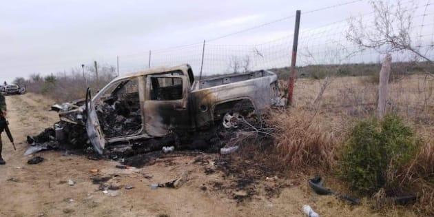 Así quedaron las camionetas con varios cuerpos en su interior después del enfrentamiento entre miembros del crimen organizado