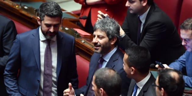 Riccardo Fraccaro (S), Roberto Fico (C) e Luigi Di Maio del M5S nell'Aula della Camera durante la quarta votazione per eleggere il presidente, Roma, 24 marzo 2018. ANSA/ETTORE FERRARI