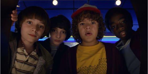 """Dacre Montgomery, Noah Schnapp, Sadie Sink et Will Chase parmi les acteurs de """"Stranger Things""""."""