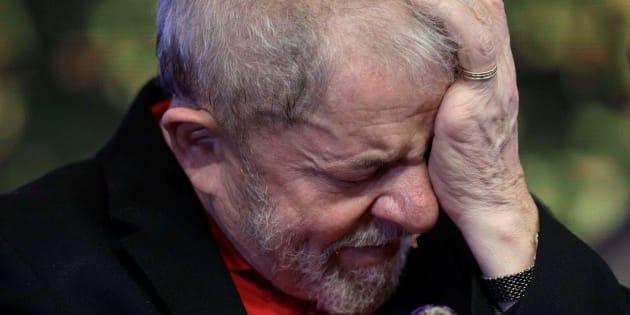 Deputado petista critica entrevista do presidente do TRF-4 sobre decisão de Moro contra Lula.