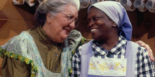 Uma literatura genuinamente brasileira escrita por Monteiro Lobato eternizou a imagem da mulher negra na cozinha, que ama servir e cuidar dos filhos dos outros: a tia Anastácia.