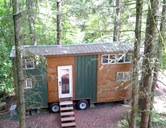 Couple's commitment issues led them to a tiny home