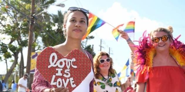 """Pese a la amenaza de una redada, la comunidad LGBTQ convocó a decenas de personas al primer """"pride"""" de Barbados"""