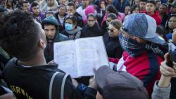 Migrantes centroamericanos comienzan sus peticiones de asilo en Estados