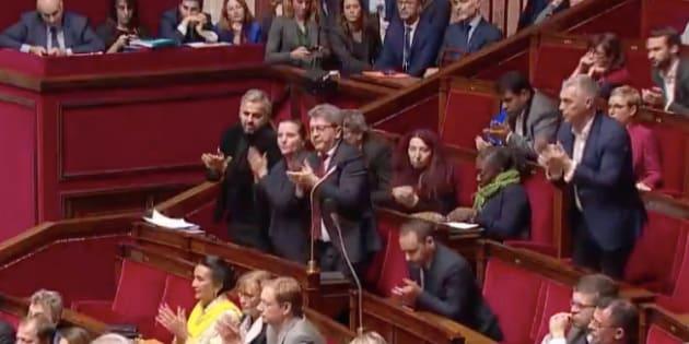 """Au terme de la réponse d'Édouard Philippe lors des """"Questions au gouvernement"""", les Insoumis ont enclenché une standing ovation qui s'est propagée à tout l'hémicycle."""