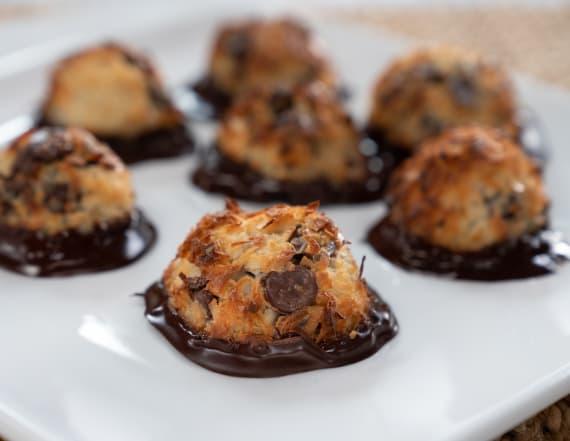 Best Bites: 4-ingredient coconut macaroons