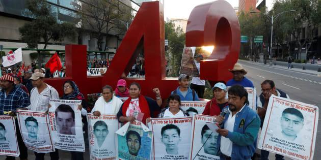 Mensajes de texto revelan nuevas pistas sobre caso Iguala