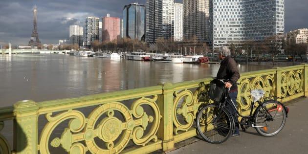 Le pic de la crue de la Seine ne sera finalement atteint que dans la nuit de dimanche à lundi / AFP PHOTO / Ludovic MARIN