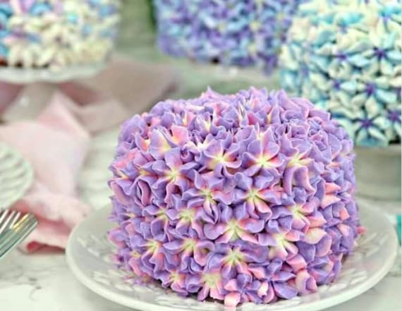 Wedding trend alert: Hydrangea cakes are now a thing