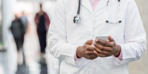 Pour assurer le soutien psychologique des médecins et soignants, un nouveau numéro d'écoute