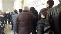 Schede sbagliate e bollino antifrode: l'Italia al voto tra code e
