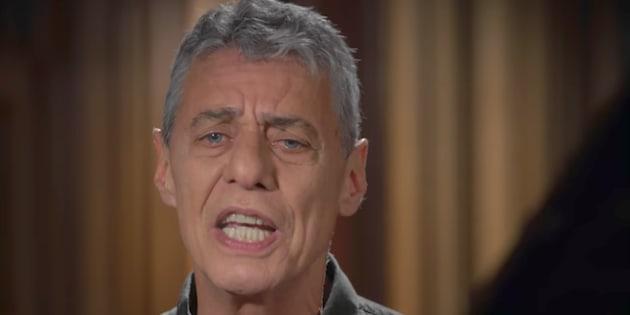 Articulista critica nova letra do compositor carioca.