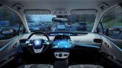 Basta un adesivo sui segnali stradali per mandare in tilt le auto senza