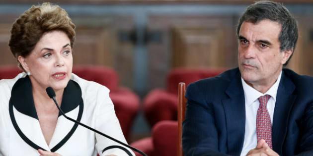 Ex-presidente Dilma Rousseff e seu defensor no processo de impeachment, o ex-ministro José Eduardo Cardozo.