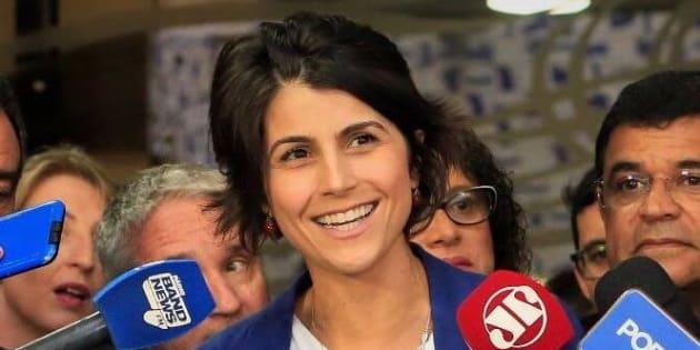 Manuela D'ávila diz que nomes do PSDB e do PMDB podem compor frente ampla com PCdoB.