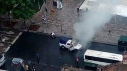 VIDEO: Encapuchados y policías se enfrentan en Avenida