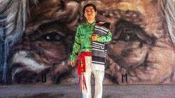 Pintor triqui llenará de color las calles de cinco países