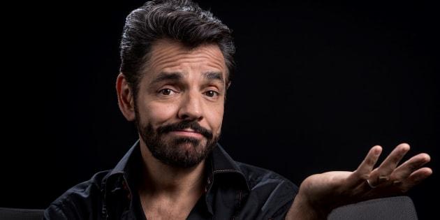 """El actor mexicano Eugenio Derbez, protagonista de la película """"Al agua"""", posa para las fotos durante una entrevista con la AFP en la Ciudad de México."""