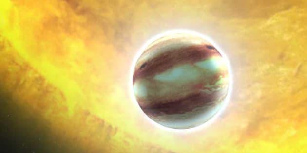 L'exoplanète  HAT-P-7 b.