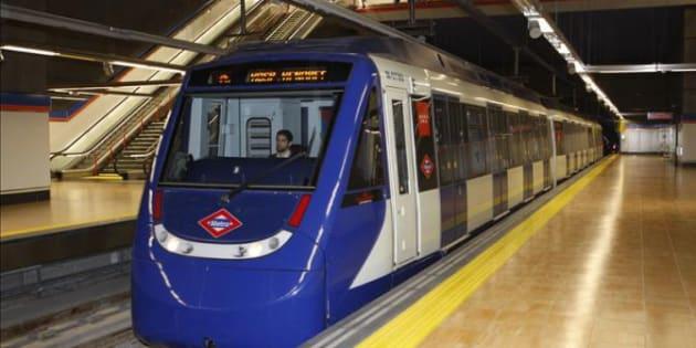 Sexo en vagon linea 4 a metro de santiago chile - 3 2