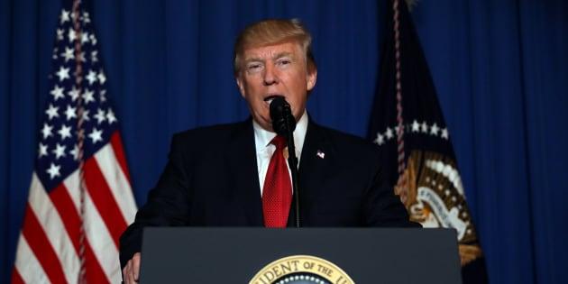 Na Flórida, Trump explica por que bombardear a Síria.