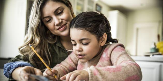 Je n'ai rien contre les parents qui enseignent à leurs enfants, mais l'instruction en famille n'est pas à la portée de tous.