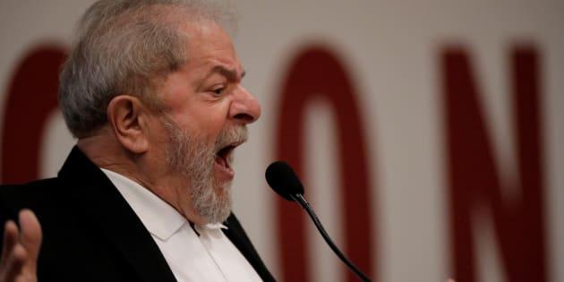 """""""Eu perdi em82, 89, 94 e 98 e voltei quieto pra casa. Eles perderam uma pra Dilma e o Aécio criou esse clima de ódio."""""""