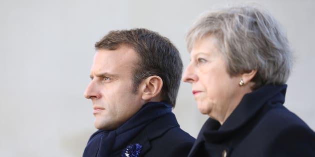 Brexit: Macron émet trois scénarios (et accable le référendum britannique)