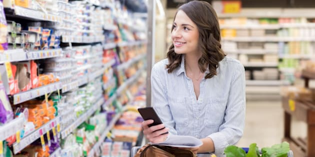 Una mujer en el supermercado. El 60 por ciento de los consumidores en Estados Unidos y en el Reino Unido reportó algún tipo de activismo.