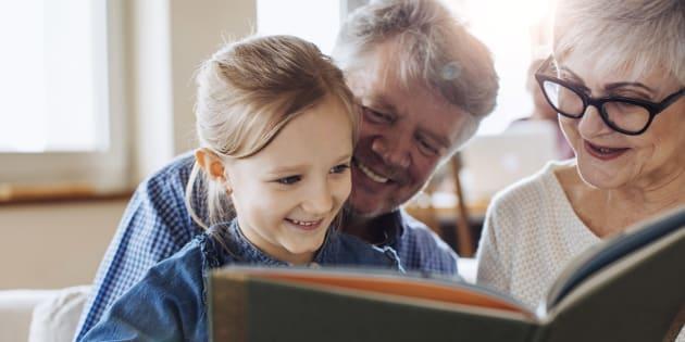 Plus de 2 enfants sur 3 sont régulièrement gardés par leurs grands-parents