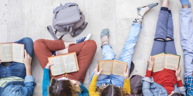 Pour Noël, l'un de ces 8 livres pourraient bien inciter vos adolescents à la lecture